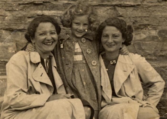 Photography and the Holocaust, March 27